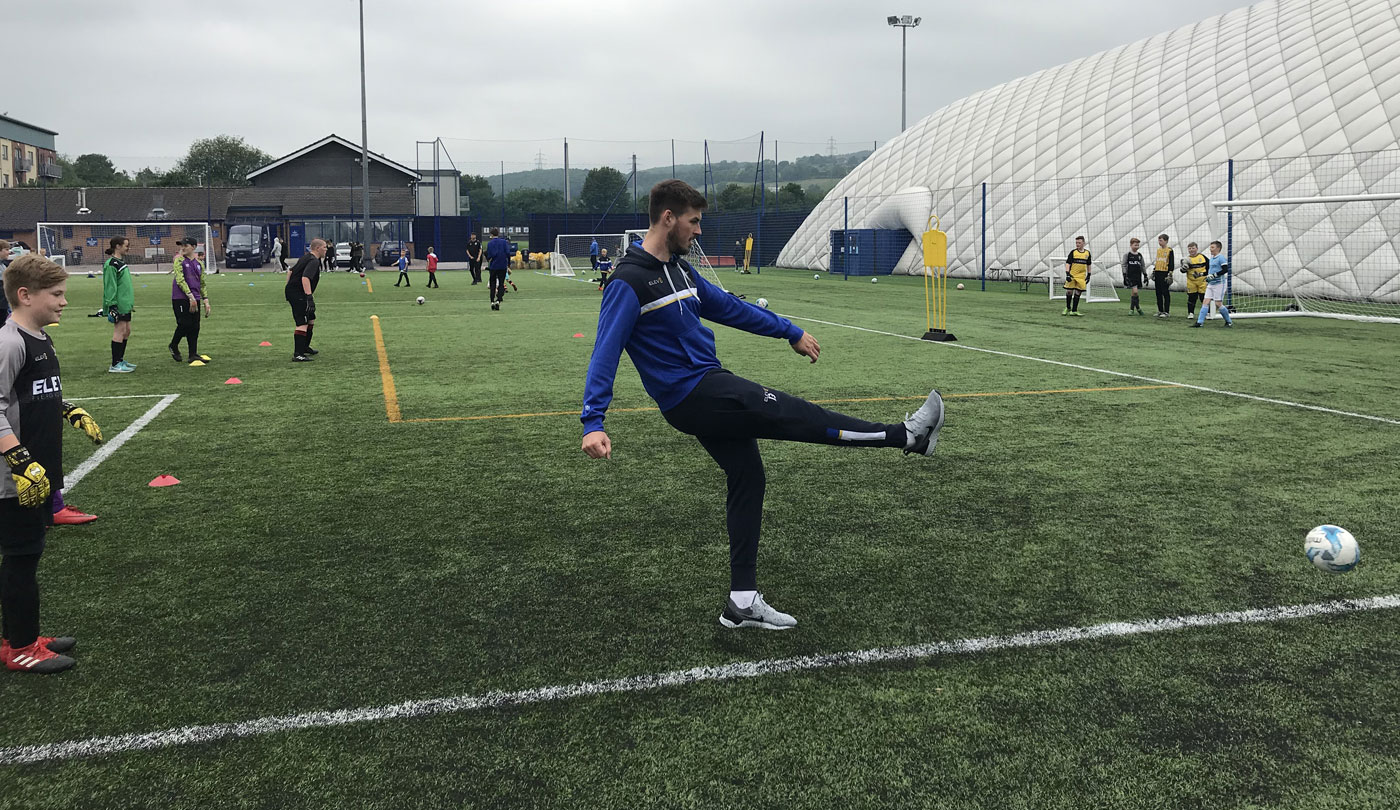 """058cd3ce386 He recalled  """"About 40 goalkeepers turned up so obviously it s a great  turnout and it s good for all of them to come in and have a bit of fun  while they are ..."""