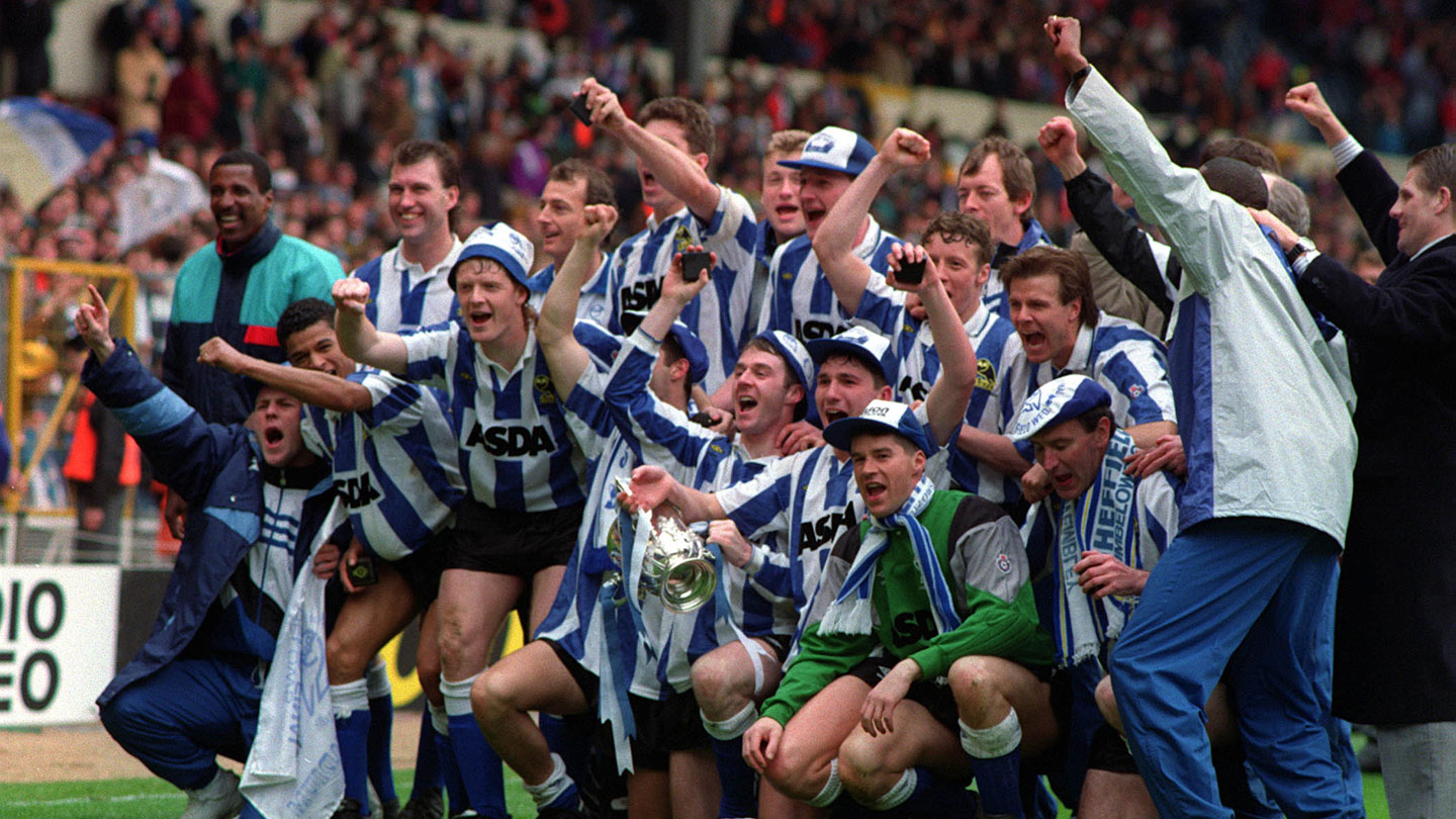 League-Cup-1991_Celebration.jpg